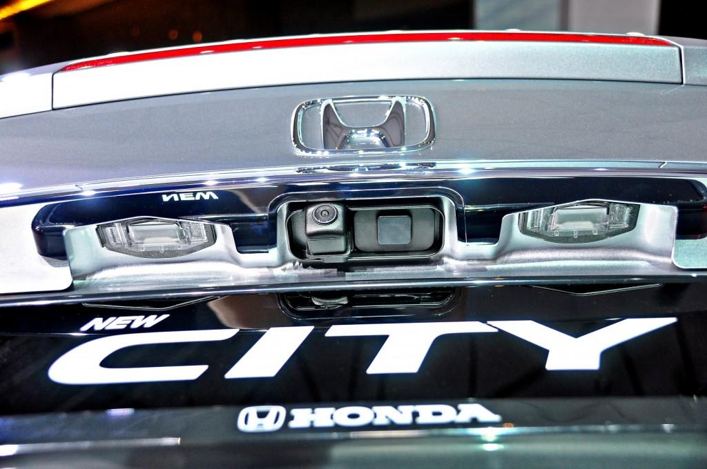 Honda-City-V-2017-42-1024x680